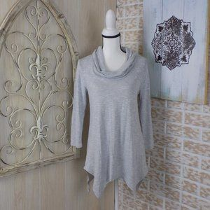 ❤Absolutely Famous NWOT cowl neck sweater